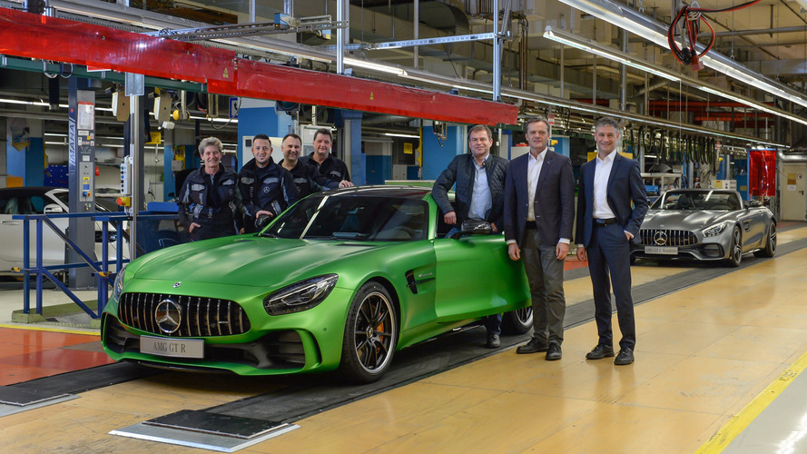 Les Mercedes-AMG GT R et GT Roadster entrent en production