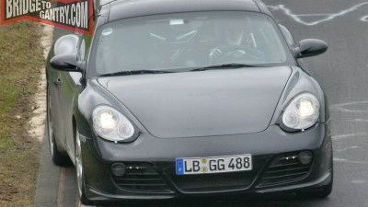 Possible Porsche Cayman Turbo spy photo