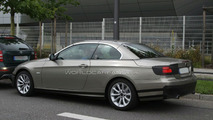 BMW 3-Series Cabriolet E93 facelift spy photo