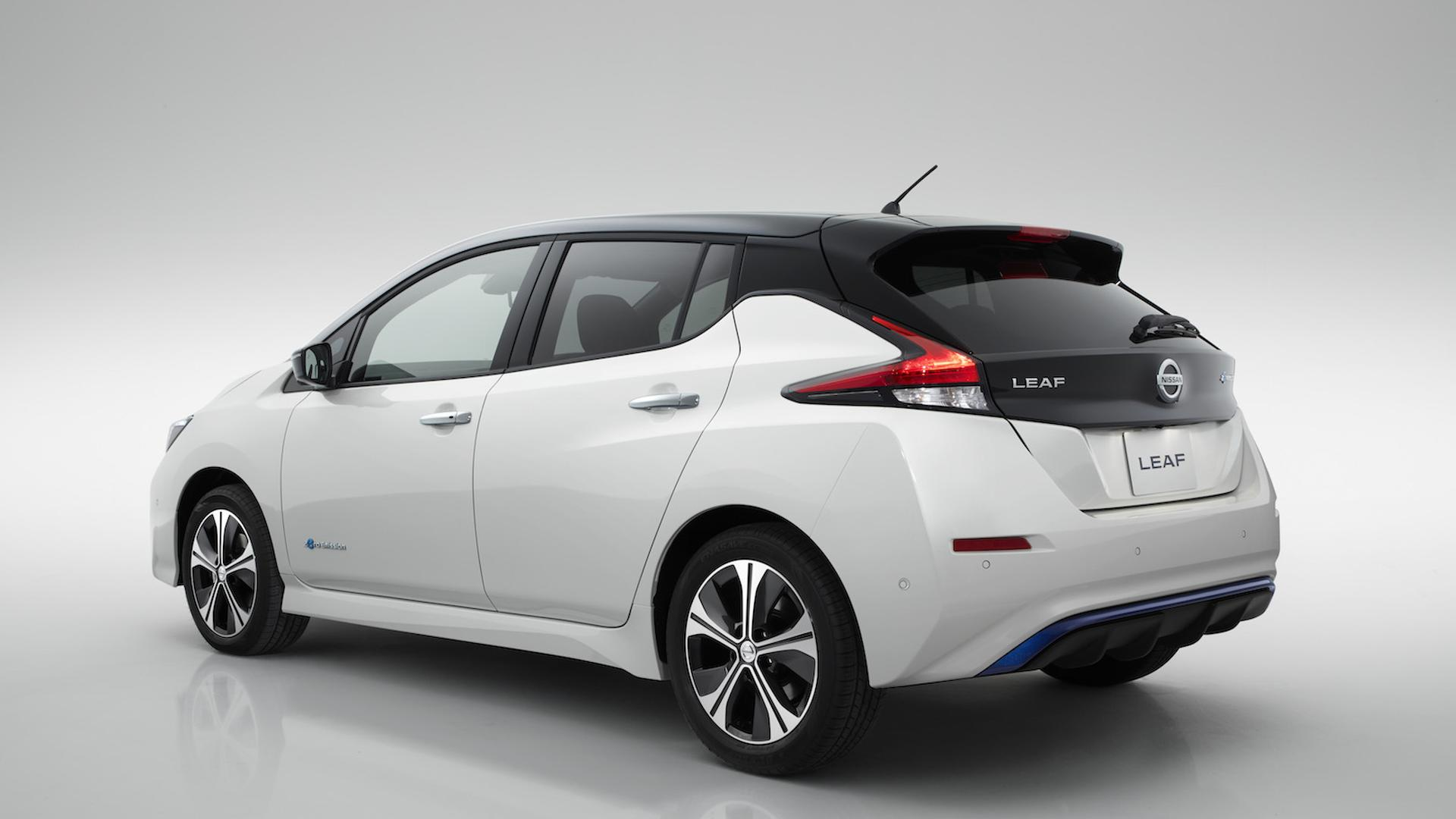 all new 2018 nissan leaf unveiled boasts 150 miles of range high power big. Black Bedroom Furniture Sets. Home Design Ideas