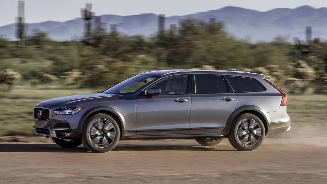 5. Volvo XC90 / S90 / V90 / V90 Cross Country / 2018 XC60: 2.0L turbocharged and supercharged I4, 316 hp, 295 lb-ft