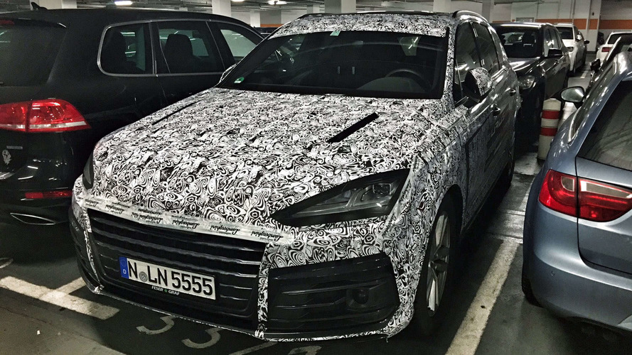Lamborghini Urus mule spotted as Audi Q7 at Munich Airport? [UPDATED]