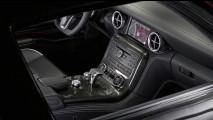 Mercedes SLS AMG: svelati bozzetti e foto degli interni