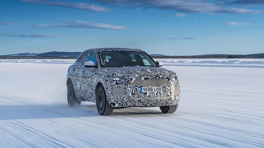 Jaguar E-Pace - Ensaio com camuflagem