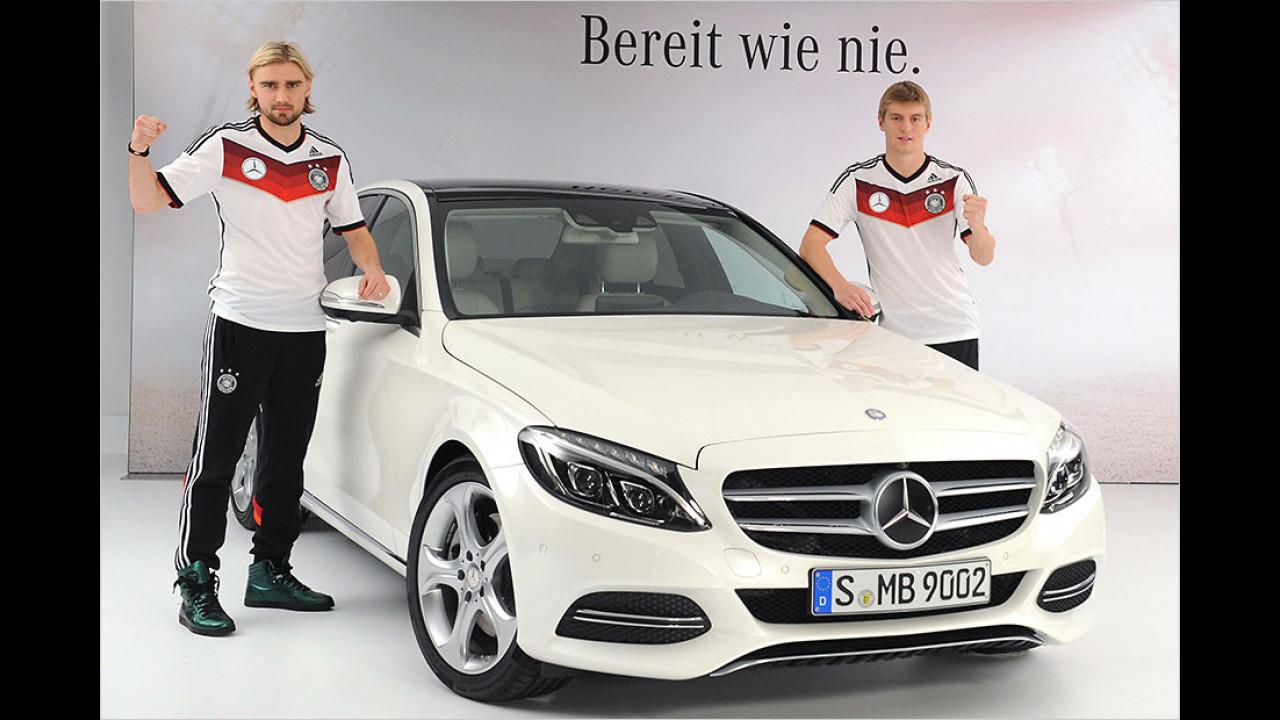 Marcel Schmelzer und Toni Kroos: Mercedes