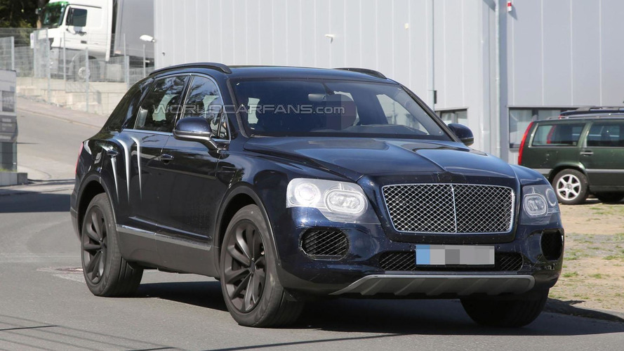 Bentley Bentayga spied virtually undisguised