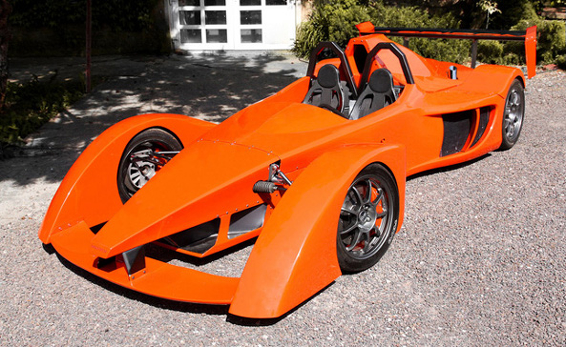 Innotech Aspiron: Czech-Built Lightweight Track Monster