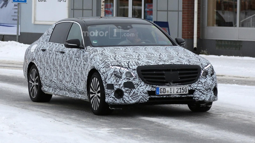 Mercedes to unveil long-wheelbase E-Class in Beijing