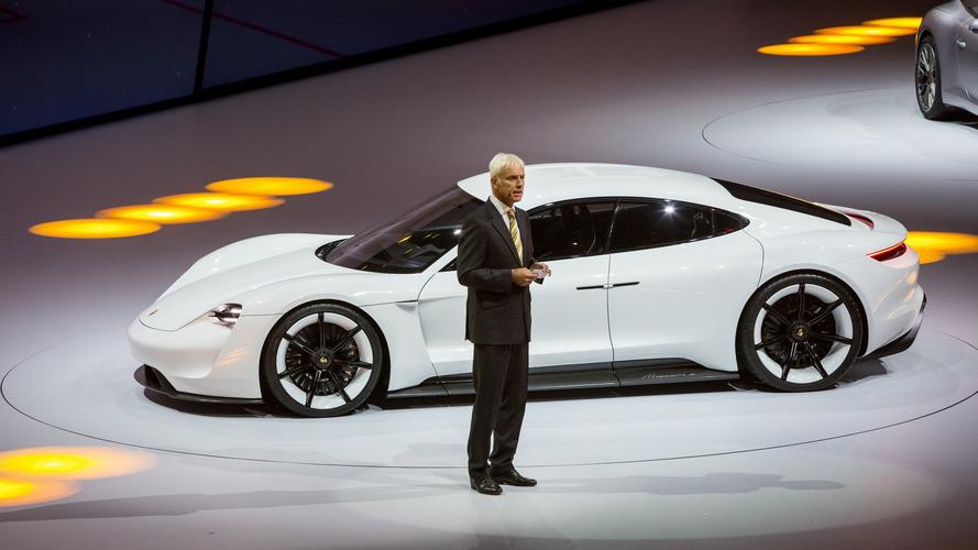 Porsche Taycan é o nome do Mission E Concept