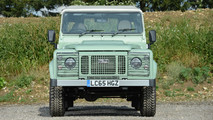 Land Rover Defender Mr. Bean