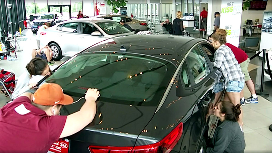Someone Kissed A Kia Optima For 50 Hours To Win It