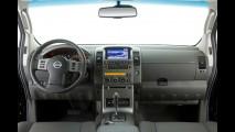 Nissan Frontier 2011 ganha leve reestilização e traz novidades na gama de motores