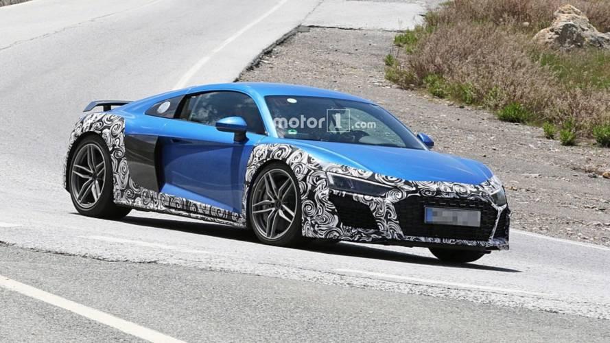 Bu karşımızdaki Audi R8 GT mi?
