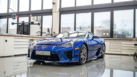 Lexus Talks About How It Services Its Own LFA