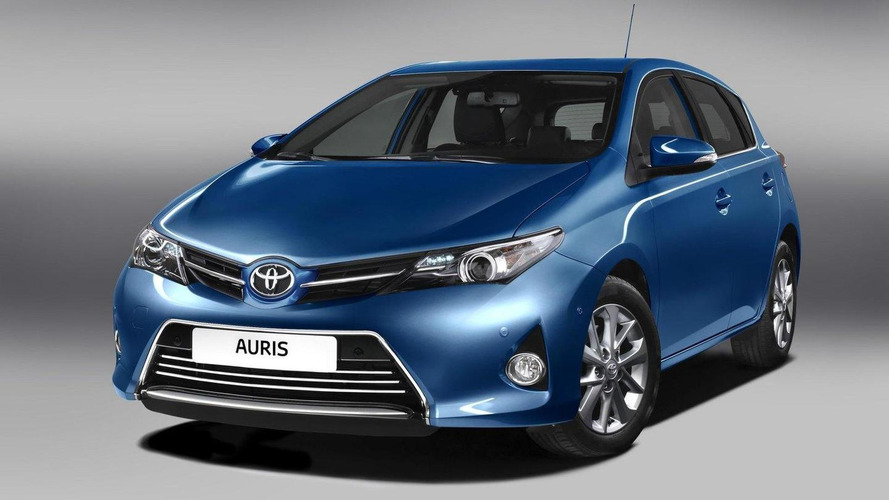 2013 Toyota Auris gets detailed ahead of Paris debut