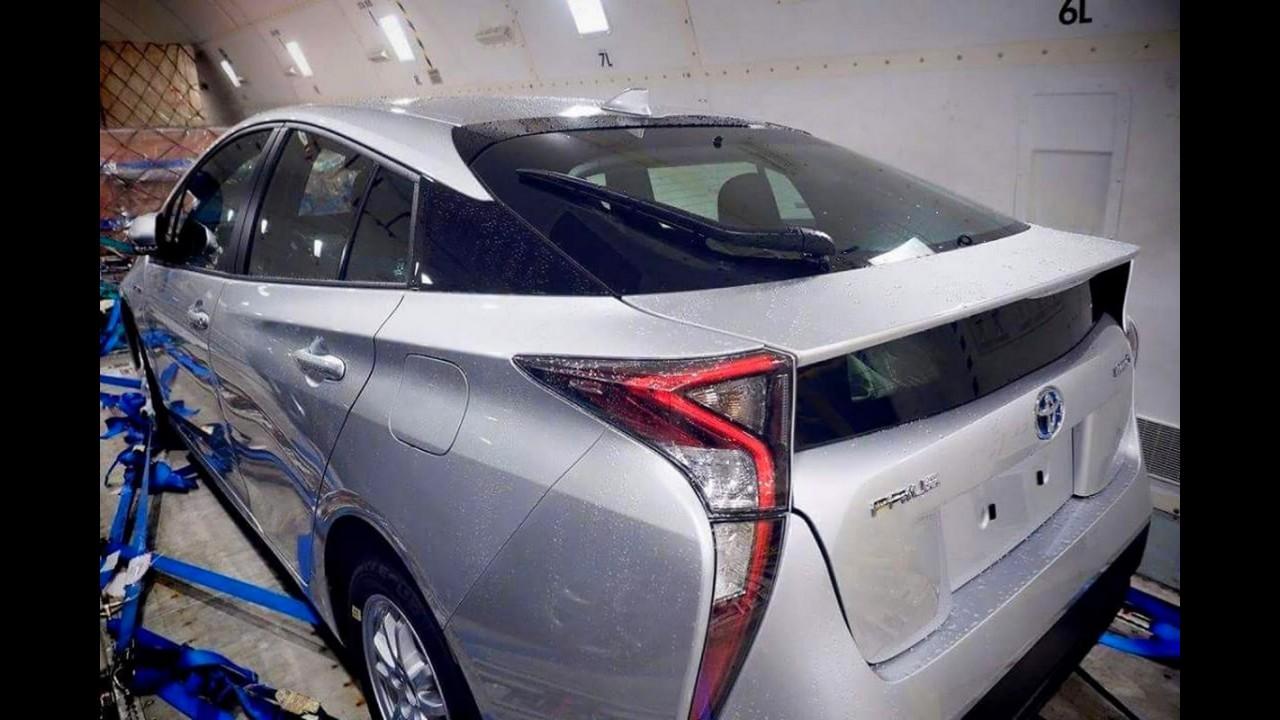 """De novo! Toyota Prius 2016, que será feito no Brasil, é flagrado """"limpinho"""""""