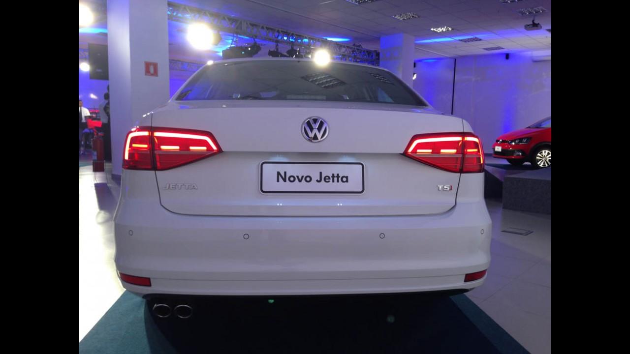Novo Jetta 2015, que será feito no Brasil, muda mais fora do que dentro