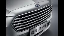 Novo Taurus 2016 aparece com a cara do Fusion em Xangai - veja fotos