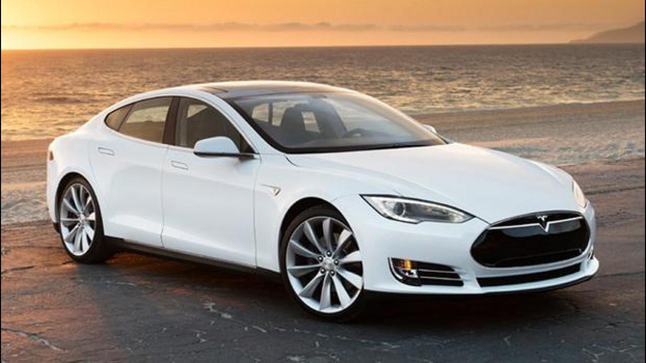 [Copertina] - Tesla Model S: nuovi optional e nuovi prezzi a partire da 69.000 euro