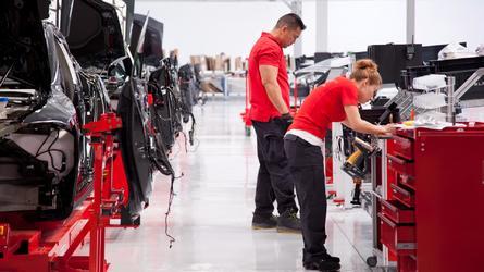 Nem szűnnek a gondok - négy napra le kellett állítani a Model 3 gyártását