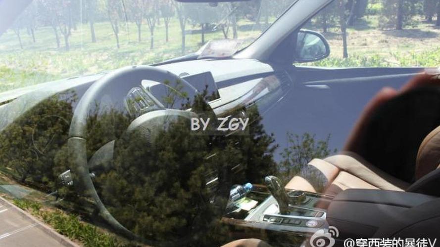 2014 BMW X5 shows its interior in latest spy shots