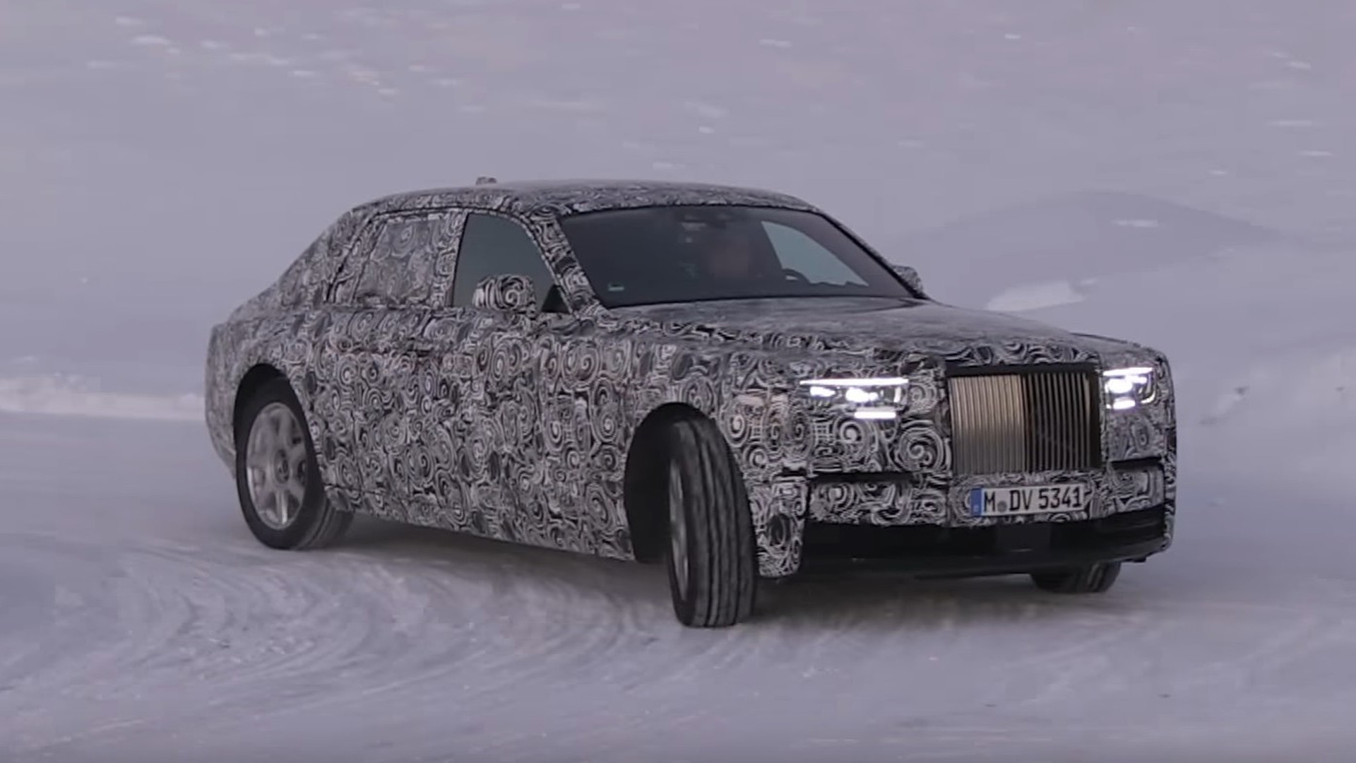 2018 rolls royce phantom spied cruising in a winter wonderland. Black Bedroom Furniture Sets. Home Design Ideas