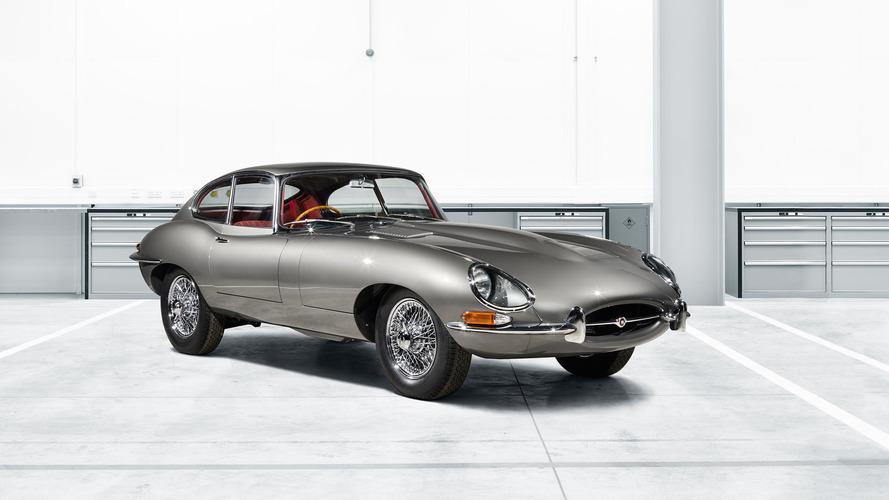 Jaguar, fabrika tarafından restorasyonu yapılan ilk E-Type'ı Techno Classica'da tanıtıyor