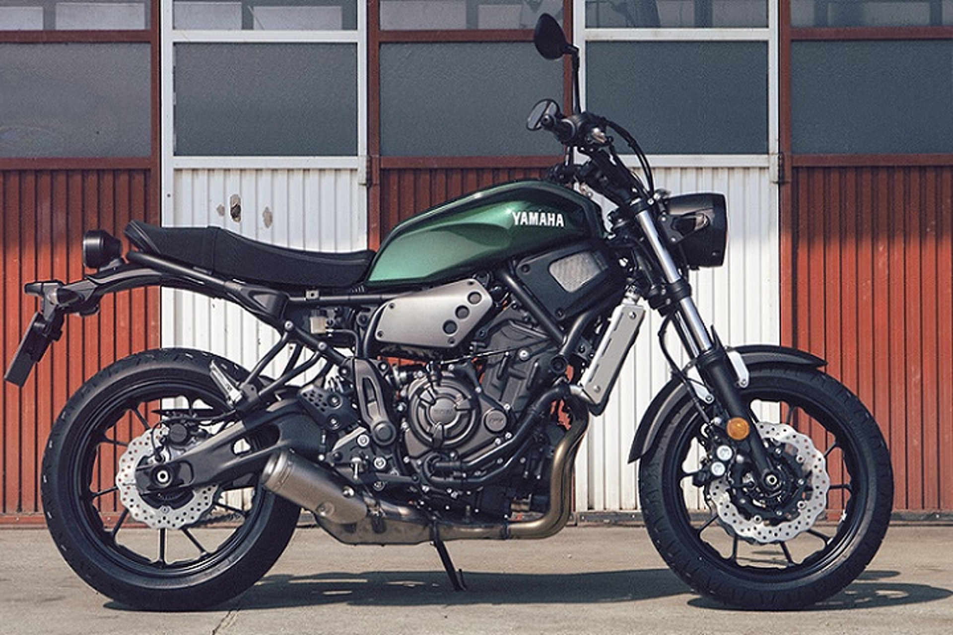 2016 Yamaha XSR700 is Retro-Modern Design at Its Finest