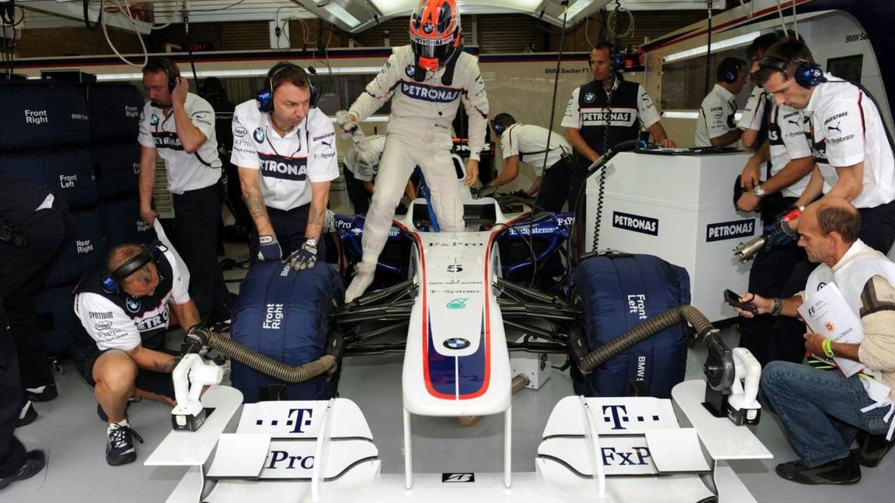 Robert Kubica (POL) steps out of the BMW Sauber F1.09, Belgium Grand Prix Spa-Francorchamps, Belgium 28.08.2009