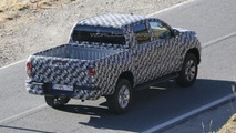 2016 Toyota Hilux spied up close