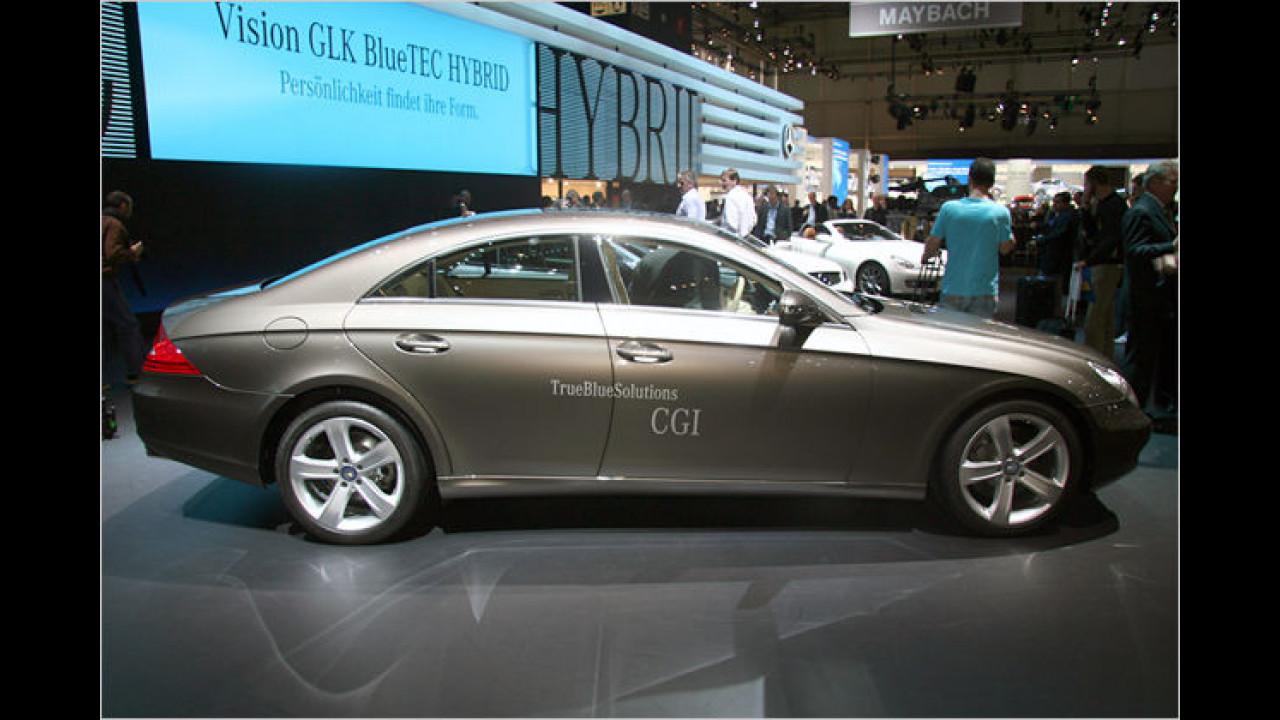 Der Mercedes CLS wurde ebenfalls überarbeitet und steht aufgefrischt auf der Messe