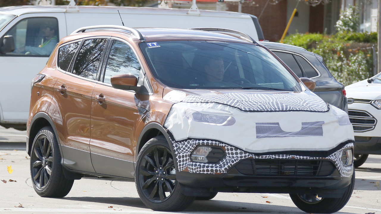 Ford kuga escape facelift spy photo