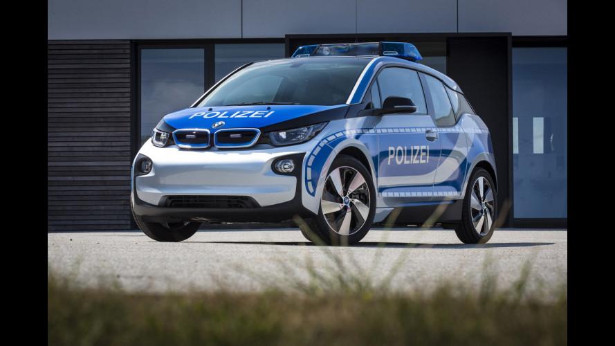 BMW in divisa, la polizia (tedesca) ringrazia