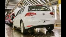 Volkswagen mostra Golf 1.4 TSI Flex e GTI nacionais na linha de montagem