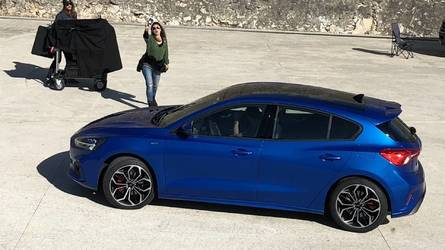 New Ford Focus spotted completely undisguised