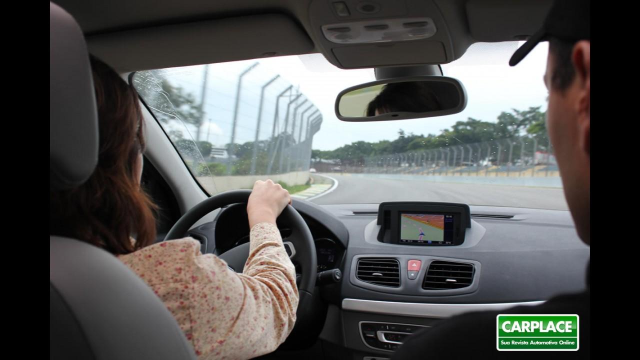 Renault promove treinamento do Fluence com vendedores de todo o País