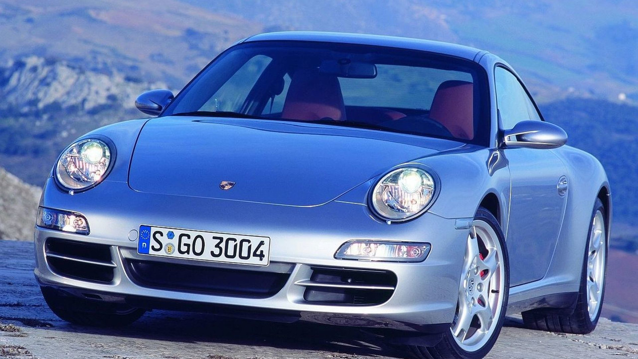 Porsche 911 production delayed by explosion