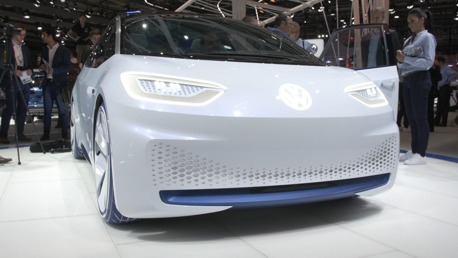 Video Volkswagen Id Electric Concept Car At The Paris