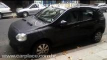Segredo!! Novo Chevrolet Viva é flagrado na Argentina camuflado - Veja foto do interior