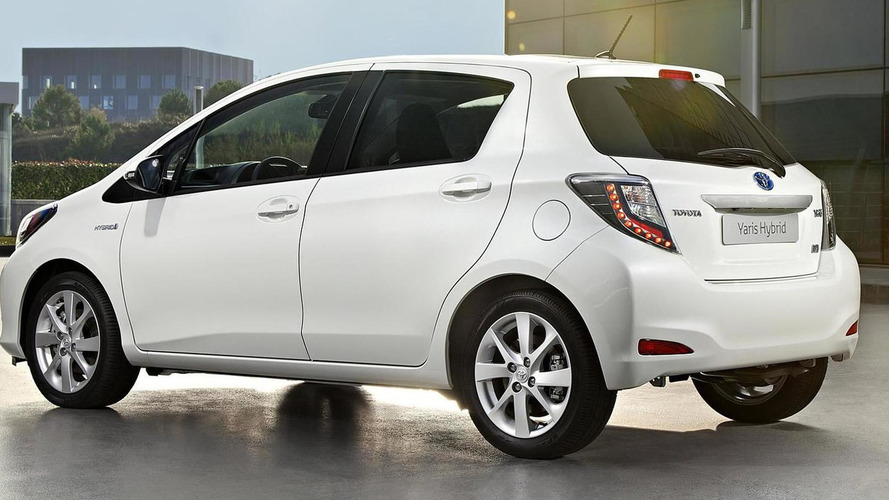 New 2013 Toyota Yaris Hybrid specs and prices announced (DE)