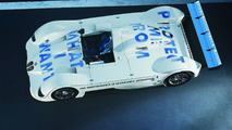 Jenny Holzer (USA) 1999 BMW V12 LMR art car - 1600