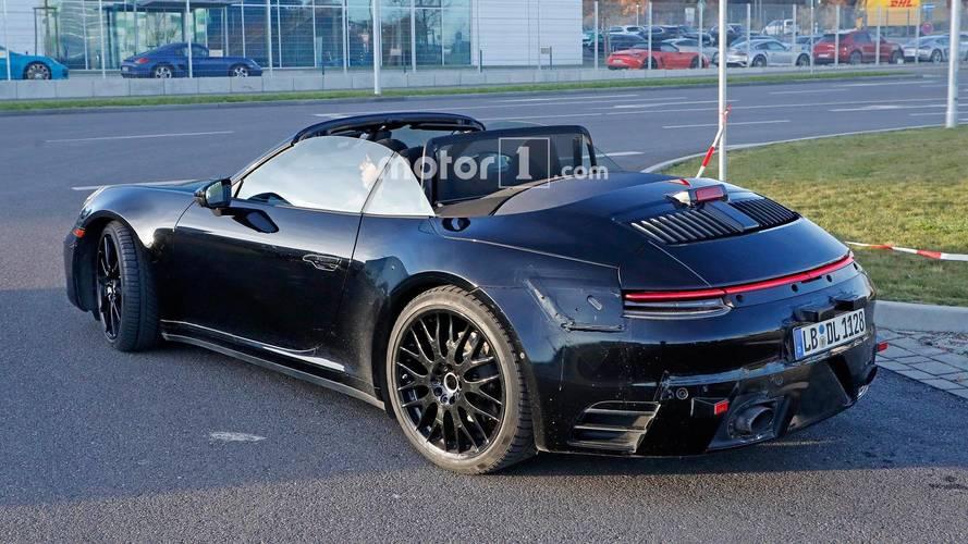 photos espion la nouvelle porsche 911 cabriolet se fait surprendre. Black Bedroom Furniture Sets. Home Design Ideas