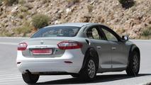 Possible next-gen Renault Megane or Laguna test mule spied