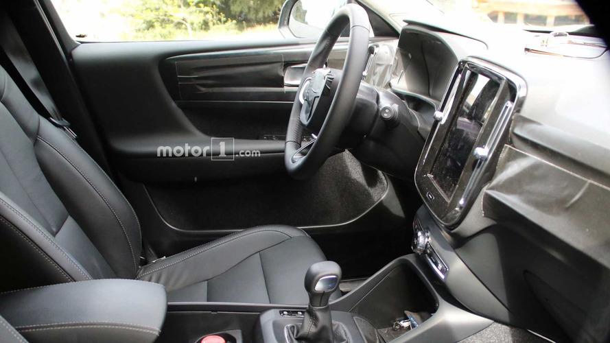 2018 Volvo XC40 iç mekan casus fotoğrafları