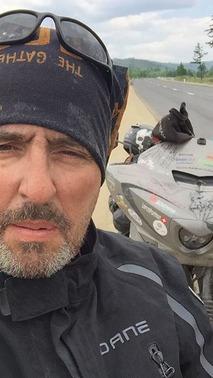 İsviçreli motosikletçi dünya seyahat rekorunu kırdı