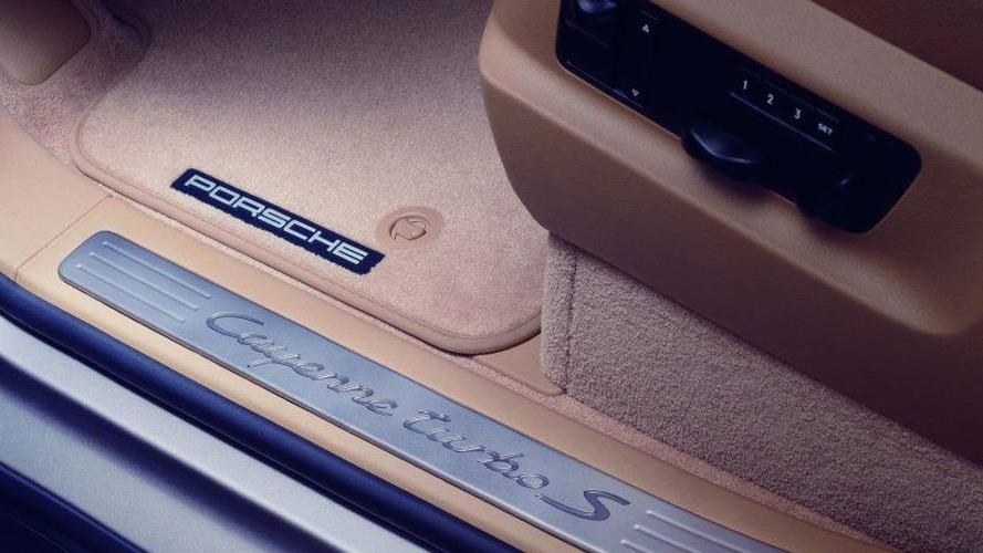 Porsche Cayenne Turbo S Makes World Debut
