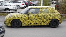 2014 MINI Cooper five-door spy photo 08.11.2012