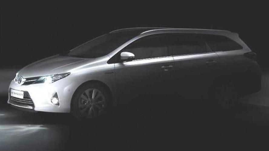 Toyota Auris wagon and Verso MPV variants teased - Paris lineup announced