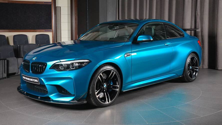 Karbon fiber aerodinamik paketli BMW M2 Long Beach Blue