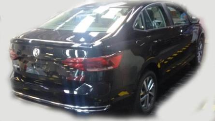 FLAGRA - Novo VW Virtus nacional (Polo Sedan) aparece sem camuflagem!
